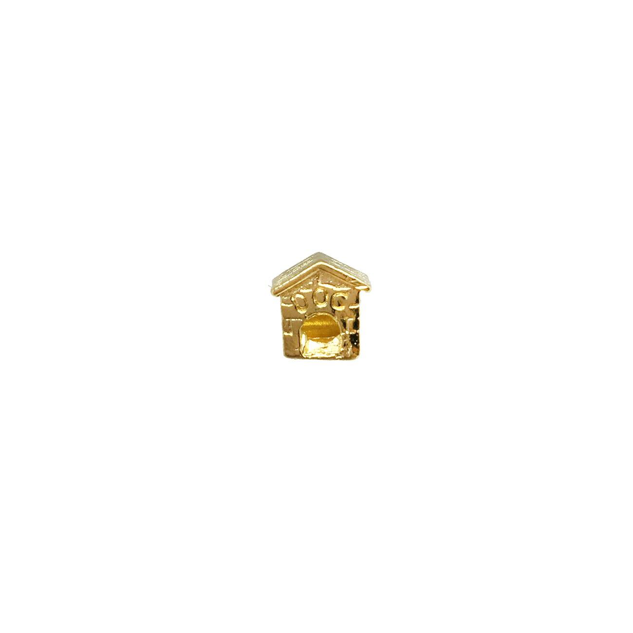 Berloque casinha de cachorro banhado a ouro 18k