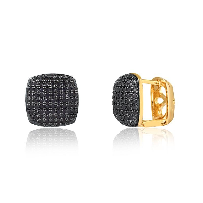 Brinco de argola quadrado com pedras pretas banhado à ouro 18k