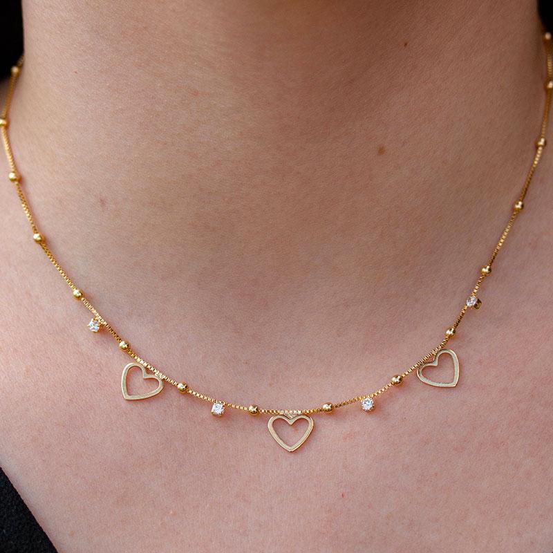 Choker de corações e zircônia banhada a ouro 18k feminina