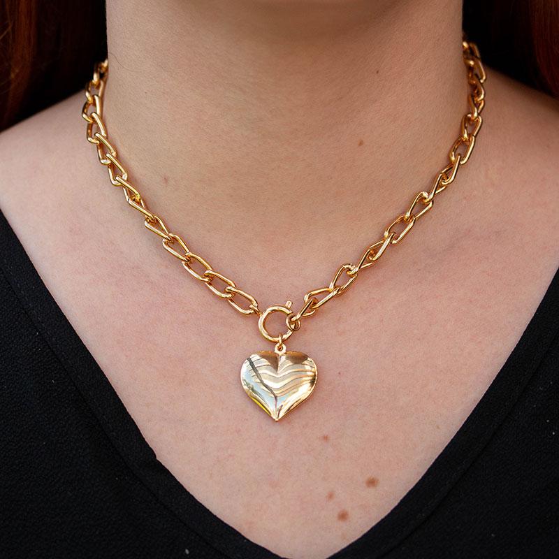 Choker de elos com coração grande liso banhada a ouro 18k feminina