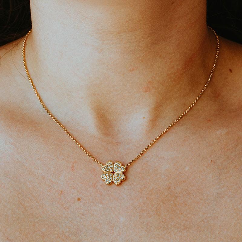 Colar de trevo com pedras banhado a ouro 18k feminino