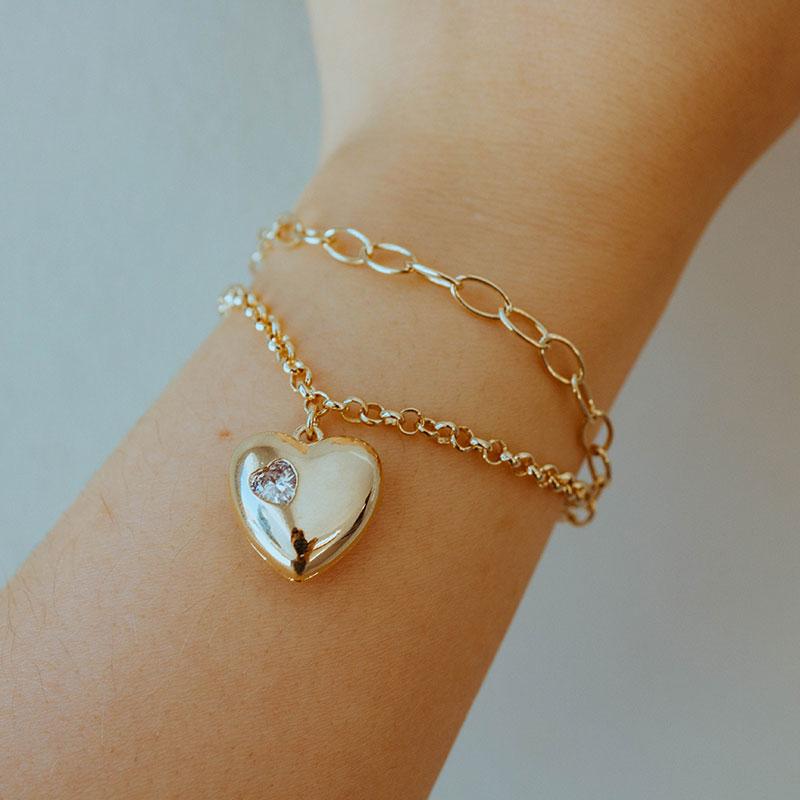 Pulseira dupla com pingente de coração vazado banhada a ouro 18k feminina