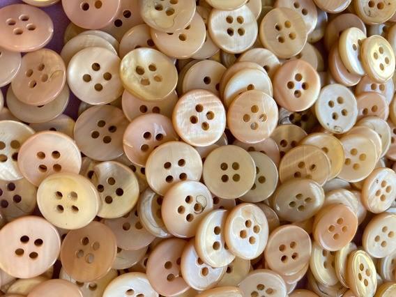 Botões Madre Pérola - Tam 16 - 4 Furos