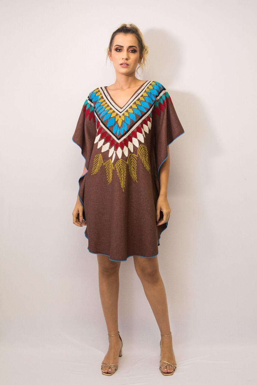 Vestido Kaftan Linho Bordada Fê Palazzo 22560 Tribos Marrom Exclusivo