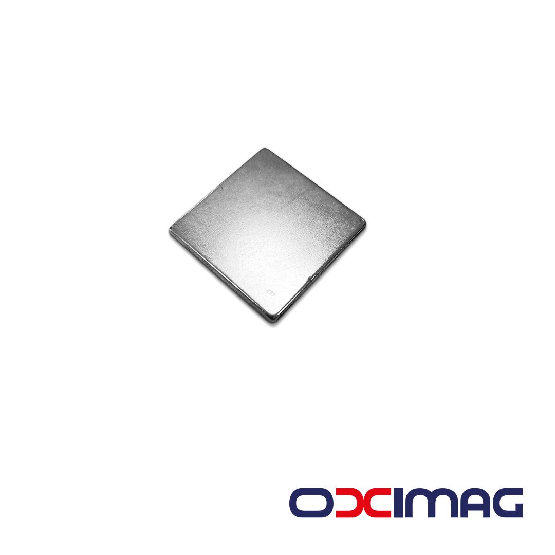 Ímã de Neodímio Bloco - 24 X 24 X 2 mm - N35
