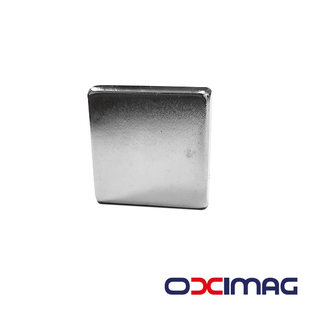 Ímã de Neodímio Bloco - 25 X 7 X 25 mm - N35