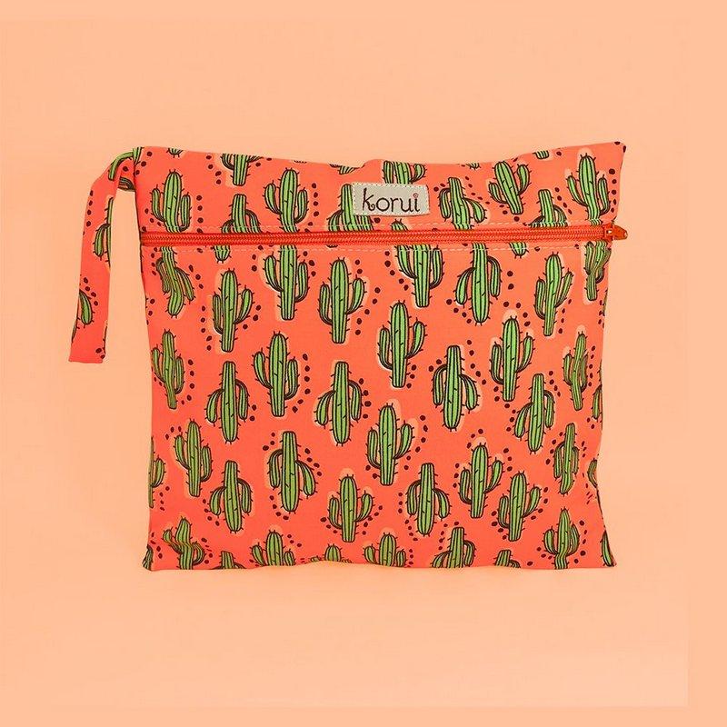 Bolsa Impermeável Bela Gil e Korui - Cactus - Para Calcinha Absorvente