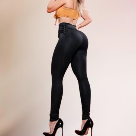 Calça Legging Modeladora Poderosa Com  Detalhes