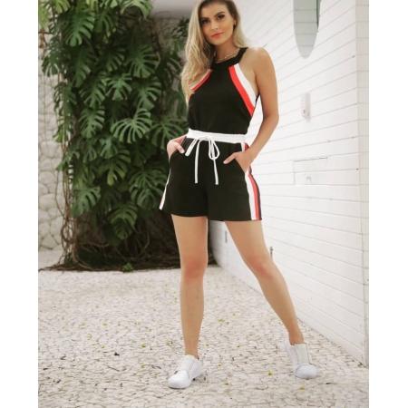 Conjunto Feminino de Shorts e Blusa de Alfaiataria