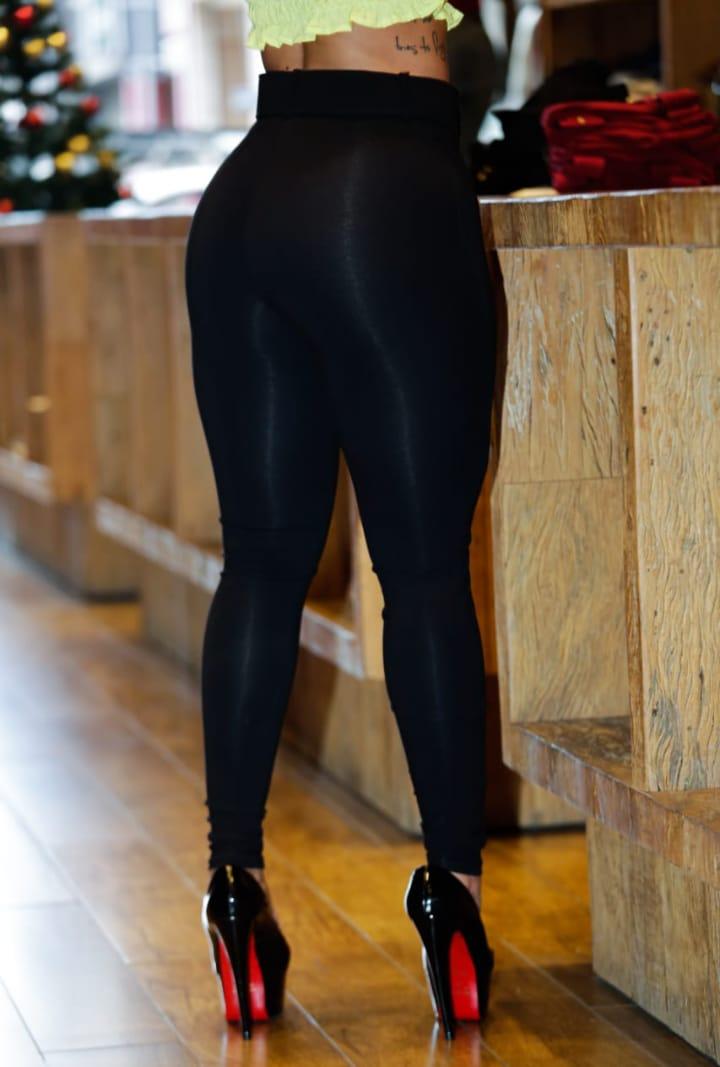 Calça Modeladora Curva dos Sonhos Preto