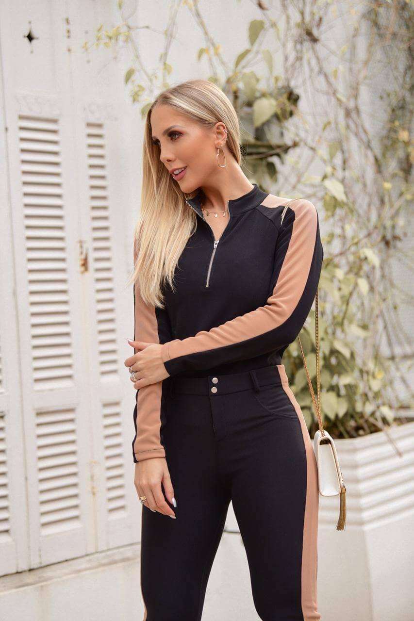 Conjunto Feminino de  blusa de manga comprida e calça de Malha Montaria