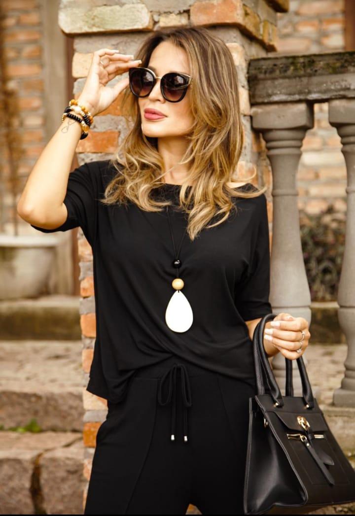 Conjunto Feminino de blusa   e calça de viscolycra com elastano.