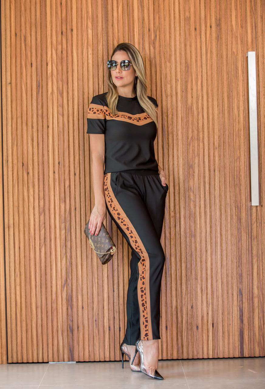Conjunto Feminino de  blusa e calça em malha de Linho