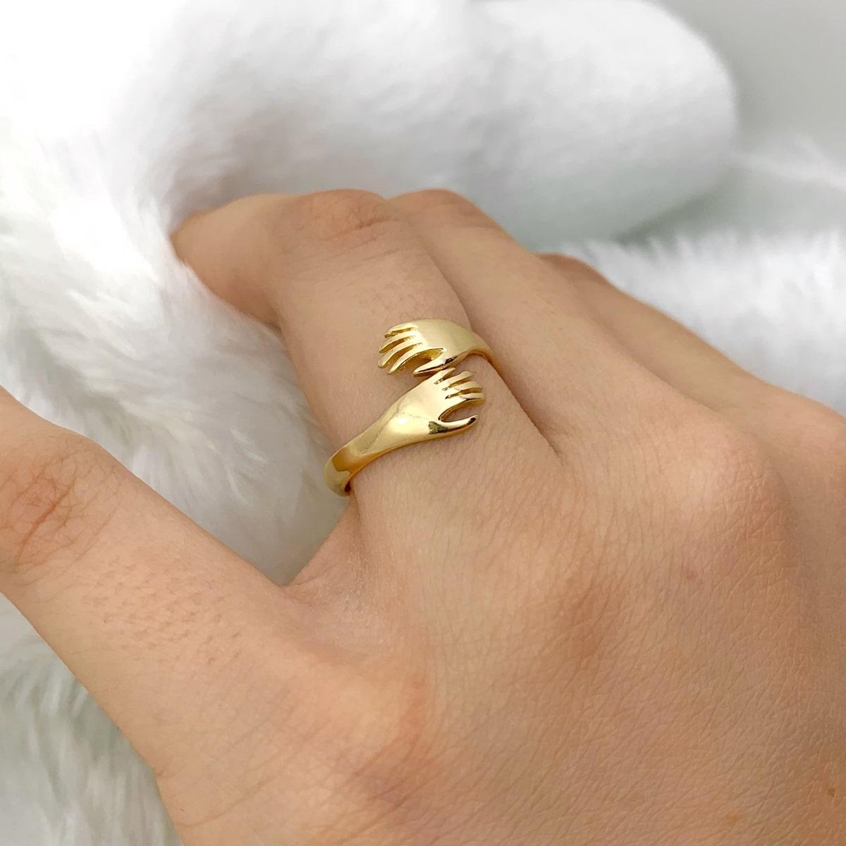 Anel Abraço Banhado a Ouro