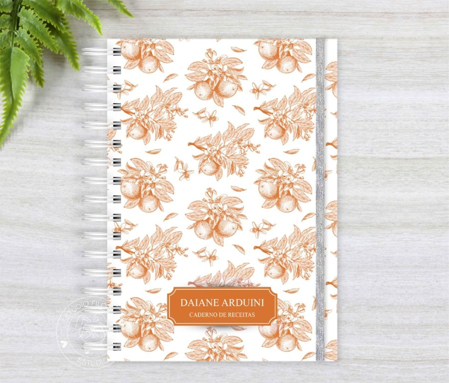 Caderno de receitas laranja