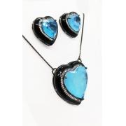 Conjunto Coração Esmaltado Preto, Pedra Azul Fusion Premium.