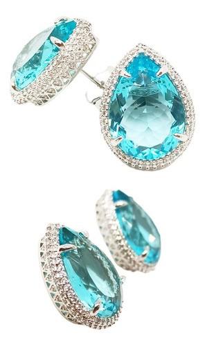 Brinco Gota Cristal Azul Topázio Sky 13 X 18, Cravação Microzircônias na Cor Branca, Ródio Branco.