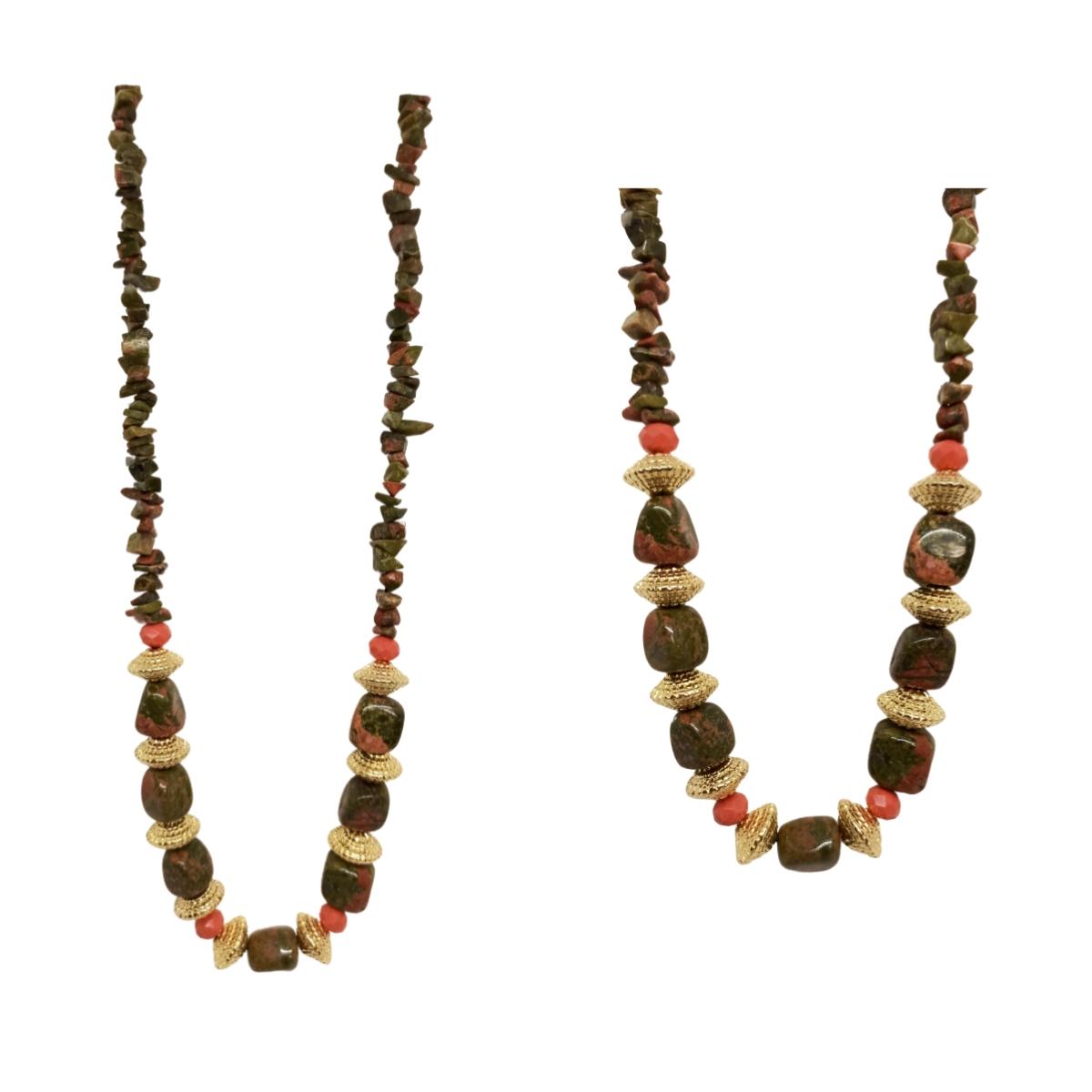Colar de Pedras e Cascalhos Naturais Com Detalhes Folheados a Ouro 18k.