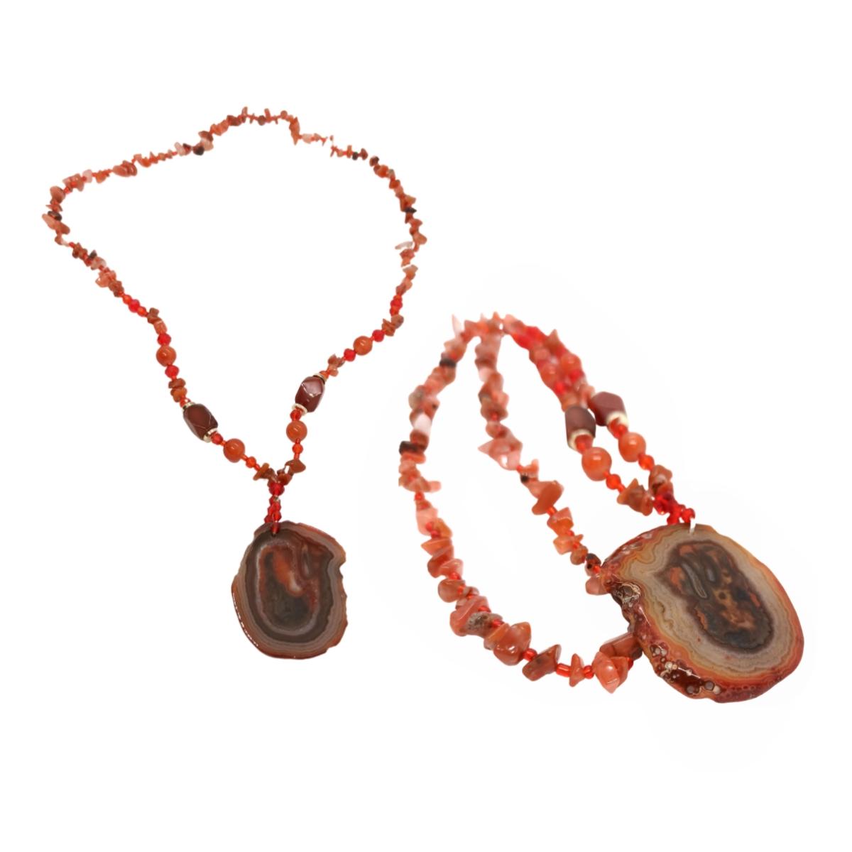 Colar de Pedras Naturais, Cascalhos e Cristais, Com Pingente de Drusa.