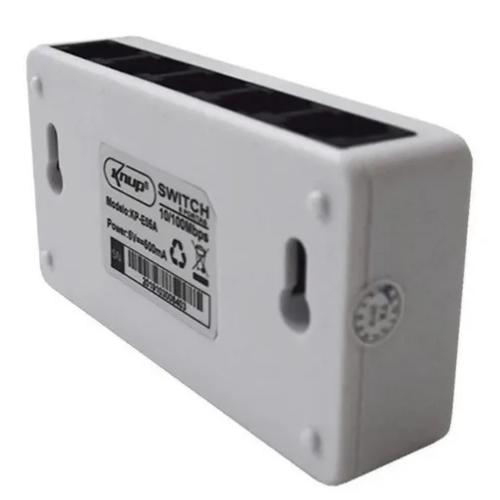Switch 5 Portas 10/100 Mbps Xtrad Xt-2128