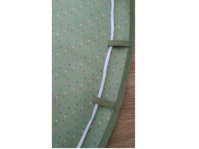 Tapete BLW 1,30m - Verde com Bolinhas