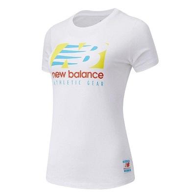Camiseta new balance essentials field day branca feminina