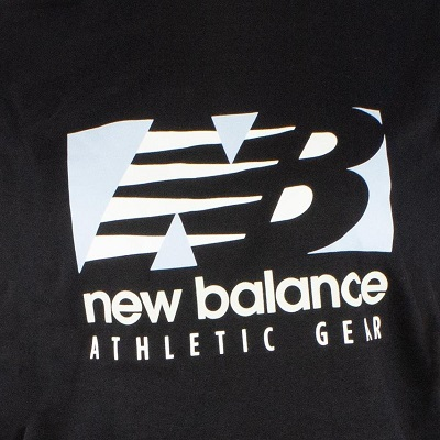 Camiseta new balance  essentials field day preta feminina
