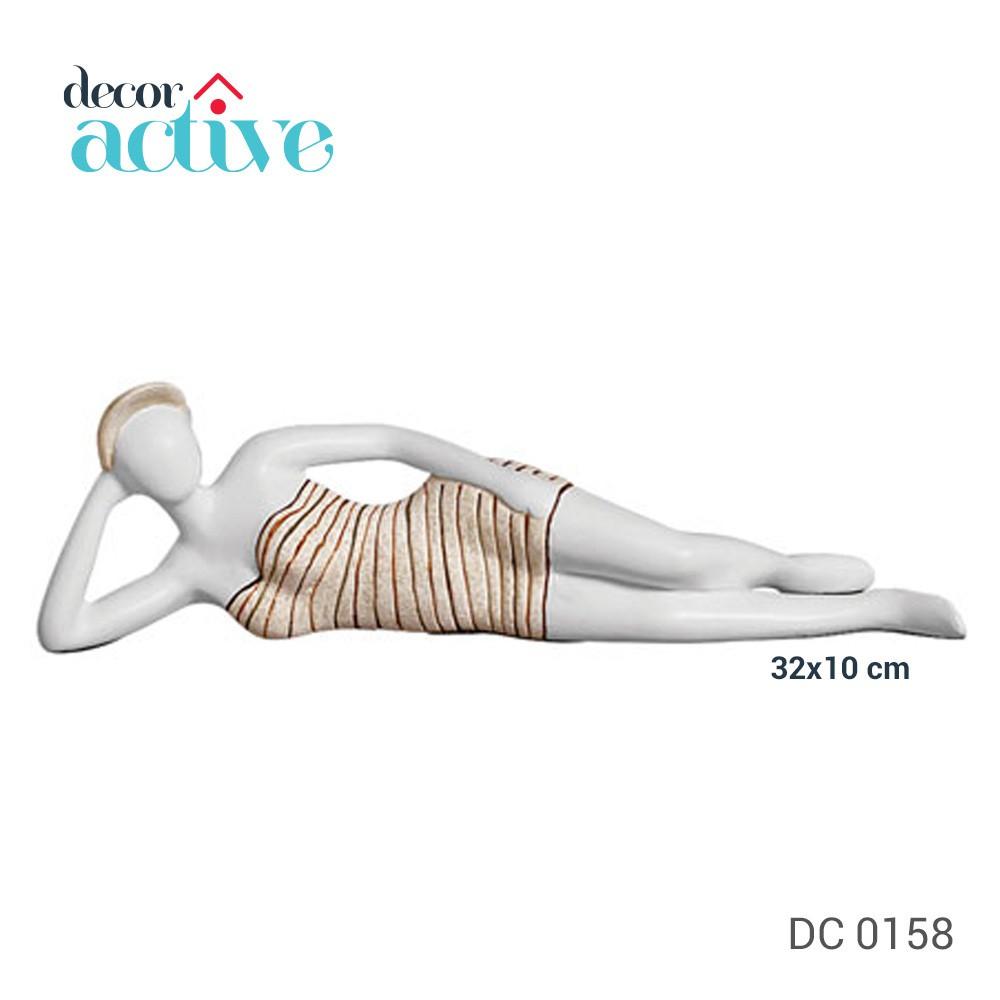 Escultura banhista deitada 32x10 cm