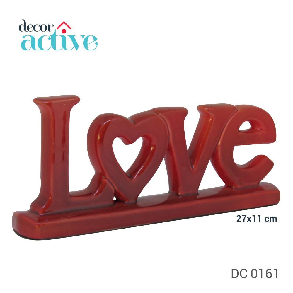 Palavra LOVE cerâmica vermelho 27x11cm