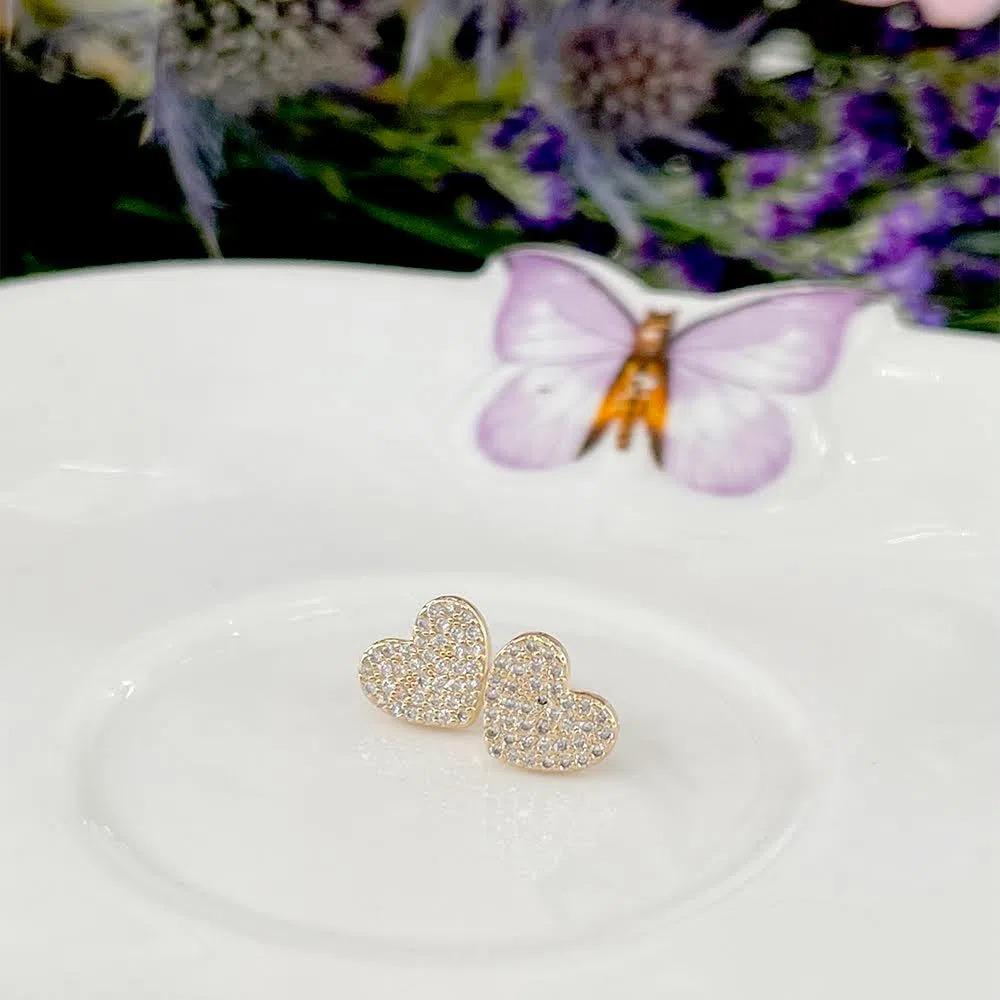 Brinco Coração Zircônia Branca Banho de Ouro 18k