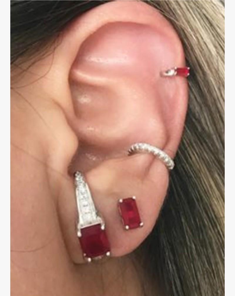 Brinco Cristal Rubi Cravejado de Zircônias Brancas EAR HOOK + Piercings Prata 925