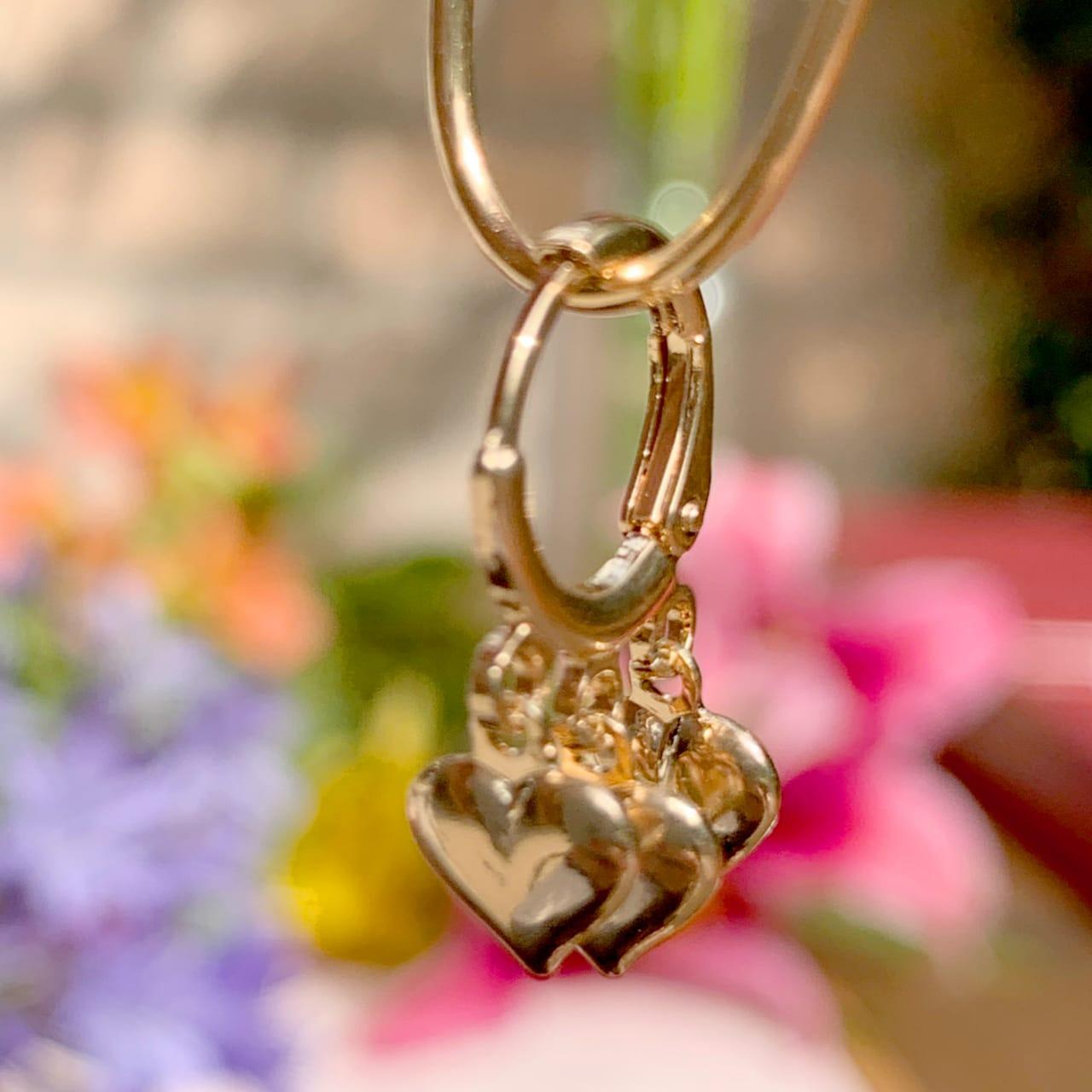 Brinco de Argola Corações Lisos Banho de Ouro 18K