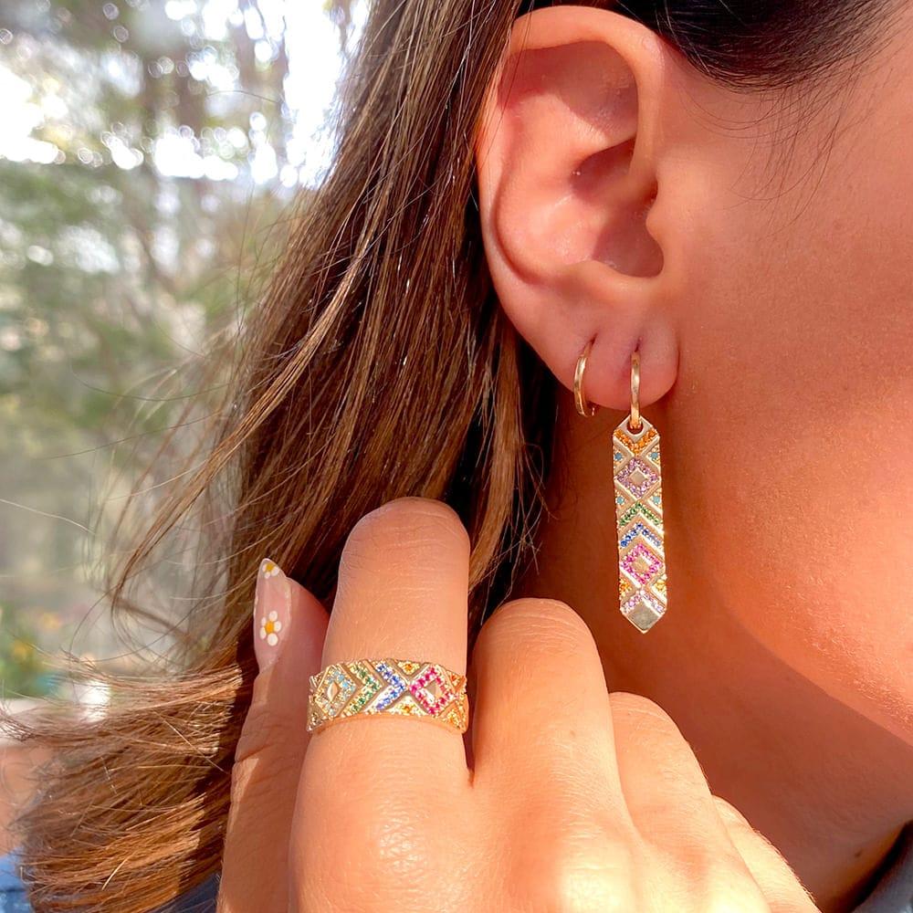 Brinco Ear Bling Reto Setas Nano Turquesa Banho de Ouro 18K