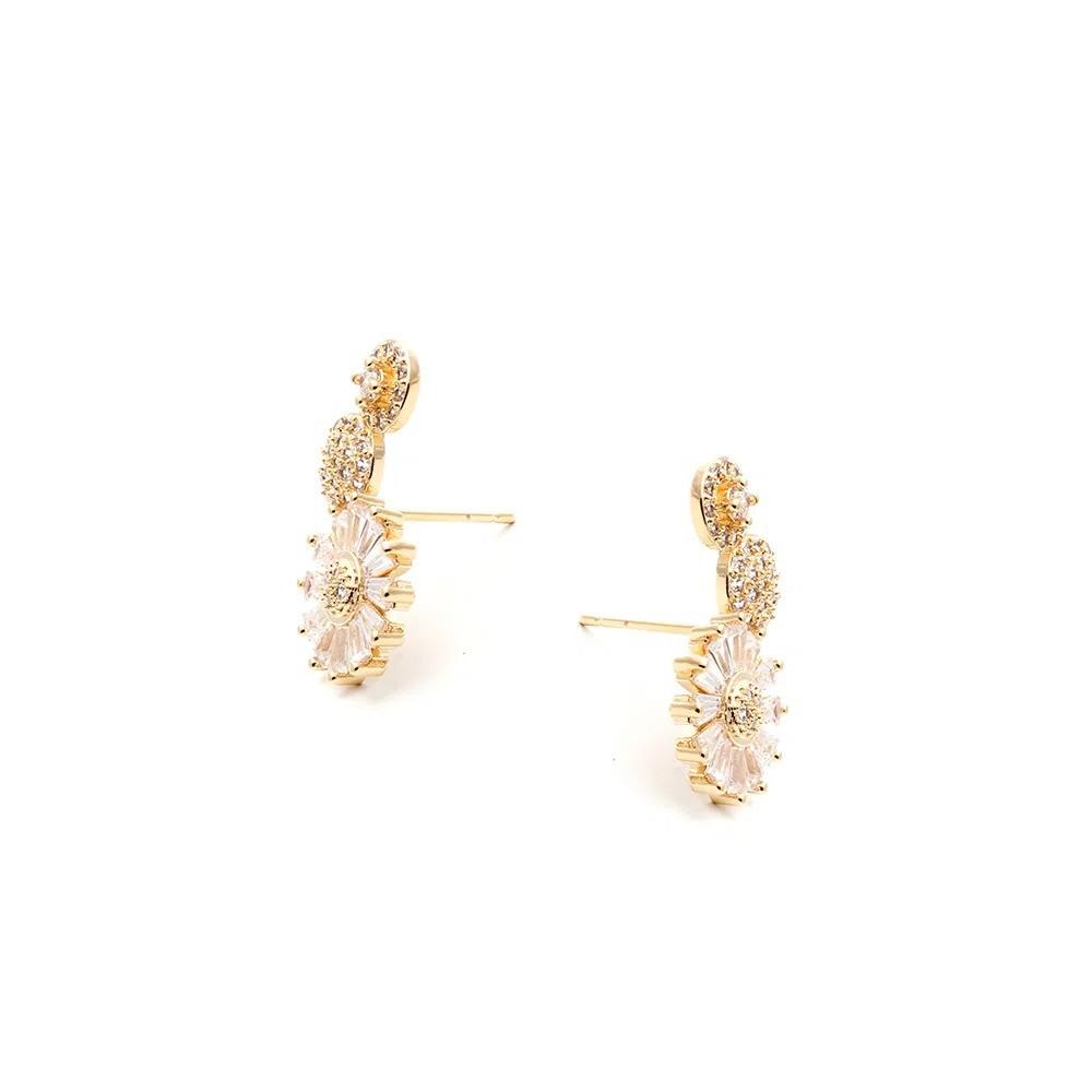 Brinco Ear Cuff Flor de Baguetes Banho de Ouro 18K