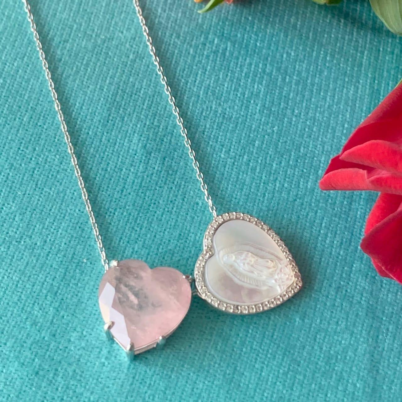 Colar Escapulário em prata 925 de Nossa Senhora de Guadalupe em Madrepérola e Coração de Cristal Fusion Turmalina Rosa - 70 cm