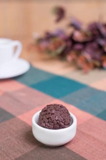 Brigadeiro de tamara com chocolate belga 25g
