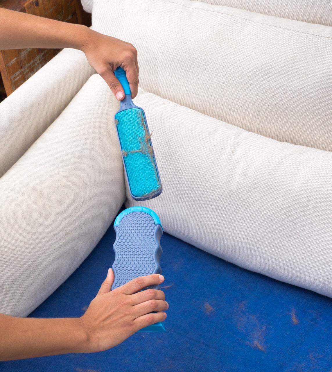 Escova Tira Pelos Com Base Autolimpante e Mini Escova Portátil  - CASACOBRE