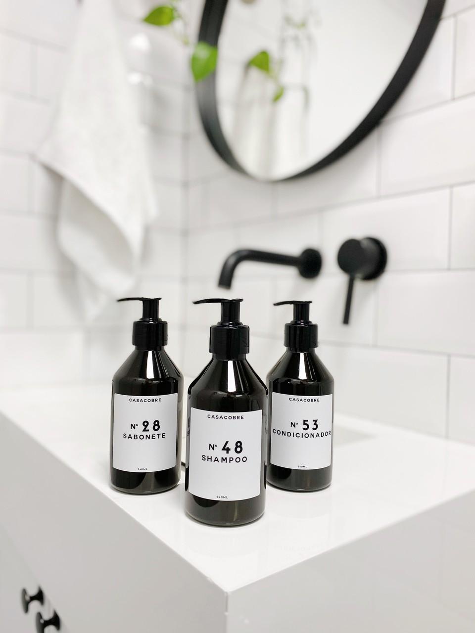 Mini Kit  Black Banheiro Completo 240ml - 3 Peças  - CASACOBRE