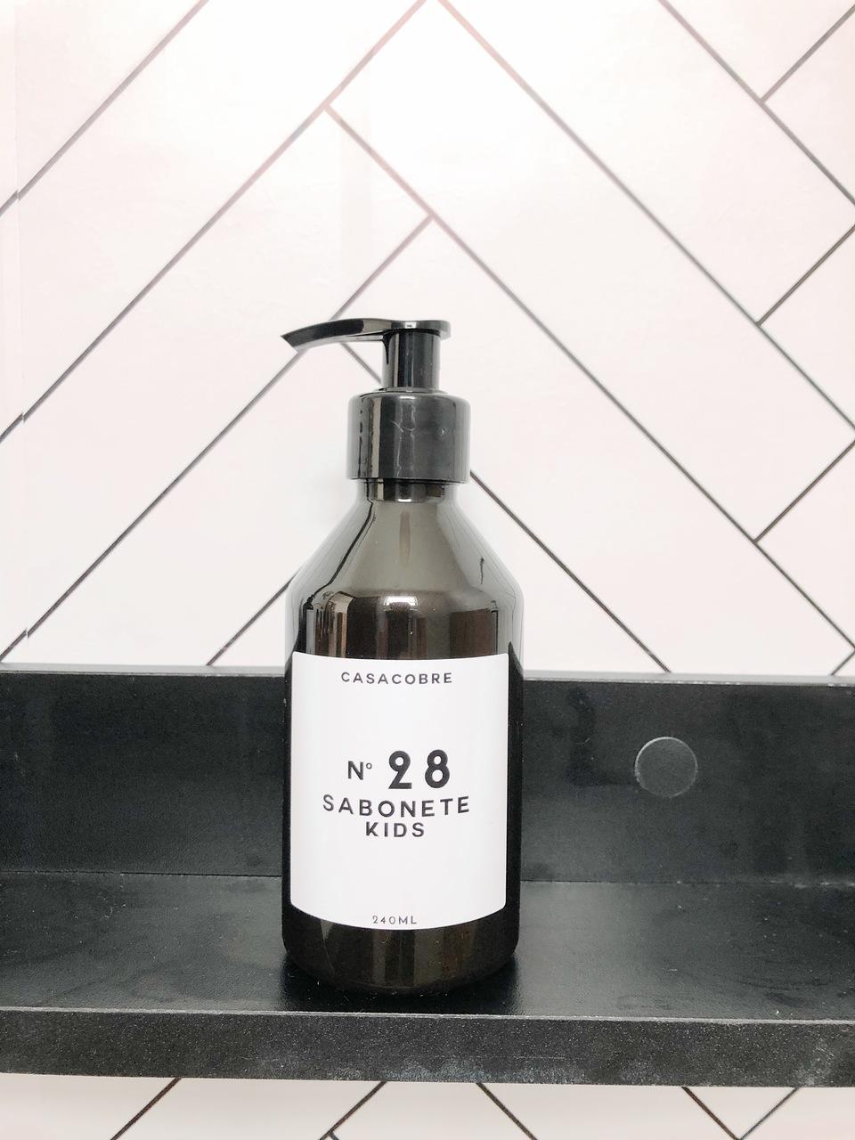 Mini Frasco Black Sabonete Kids - 240ml  - CASACOBRE