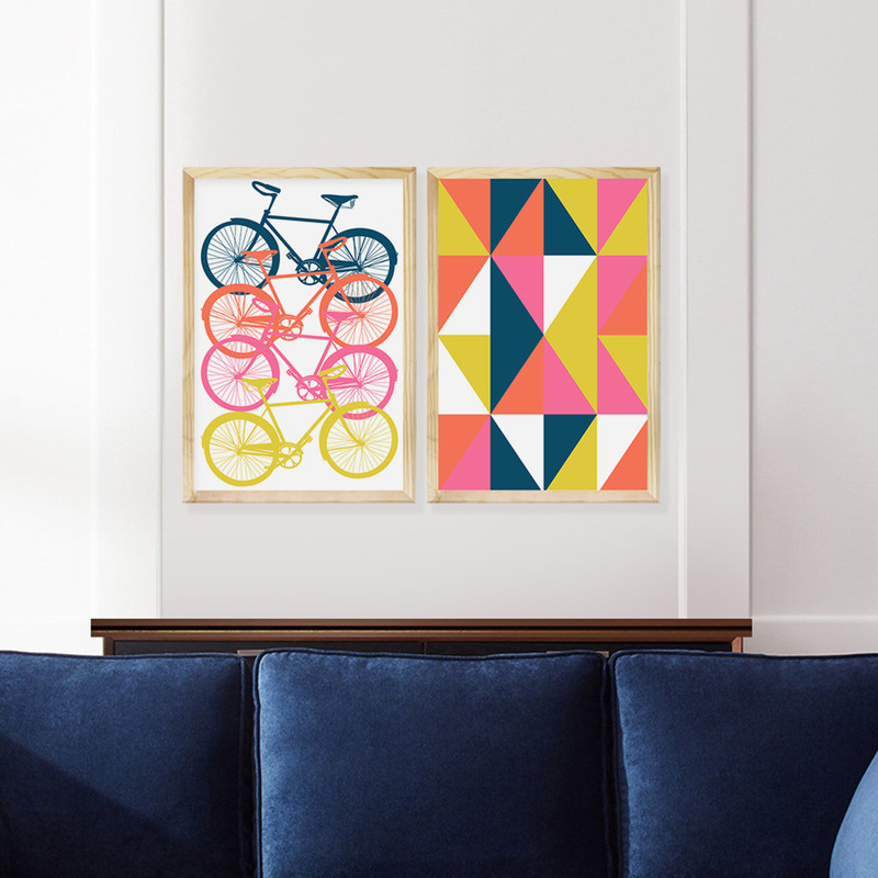 Kit 2 Quadros Decorativos Quarto 43x63cm Moldura Pinus Bicicletas e Geométrico Colorido - Hugart