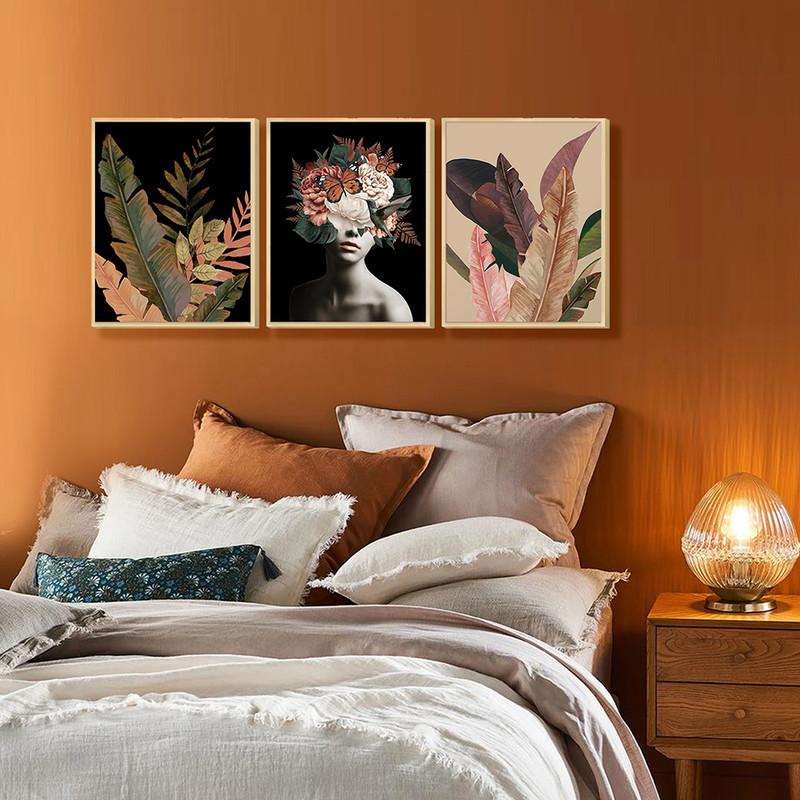Kit 3 Quadros Decorativos de Parede para Quarto 30x40cm Mulher Abstrato com Flores - Hugart