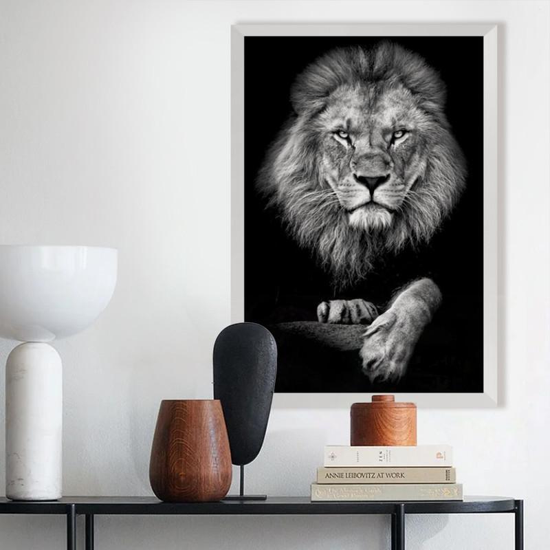 Quadro com Moldura Branca Leão Elegante Escritório Sala 43x63cm - Hugart