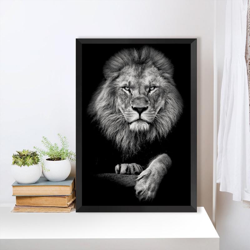 Quadro com Moldura Preta Leão Elegante Escritório Sala 43x63cm - Hugart