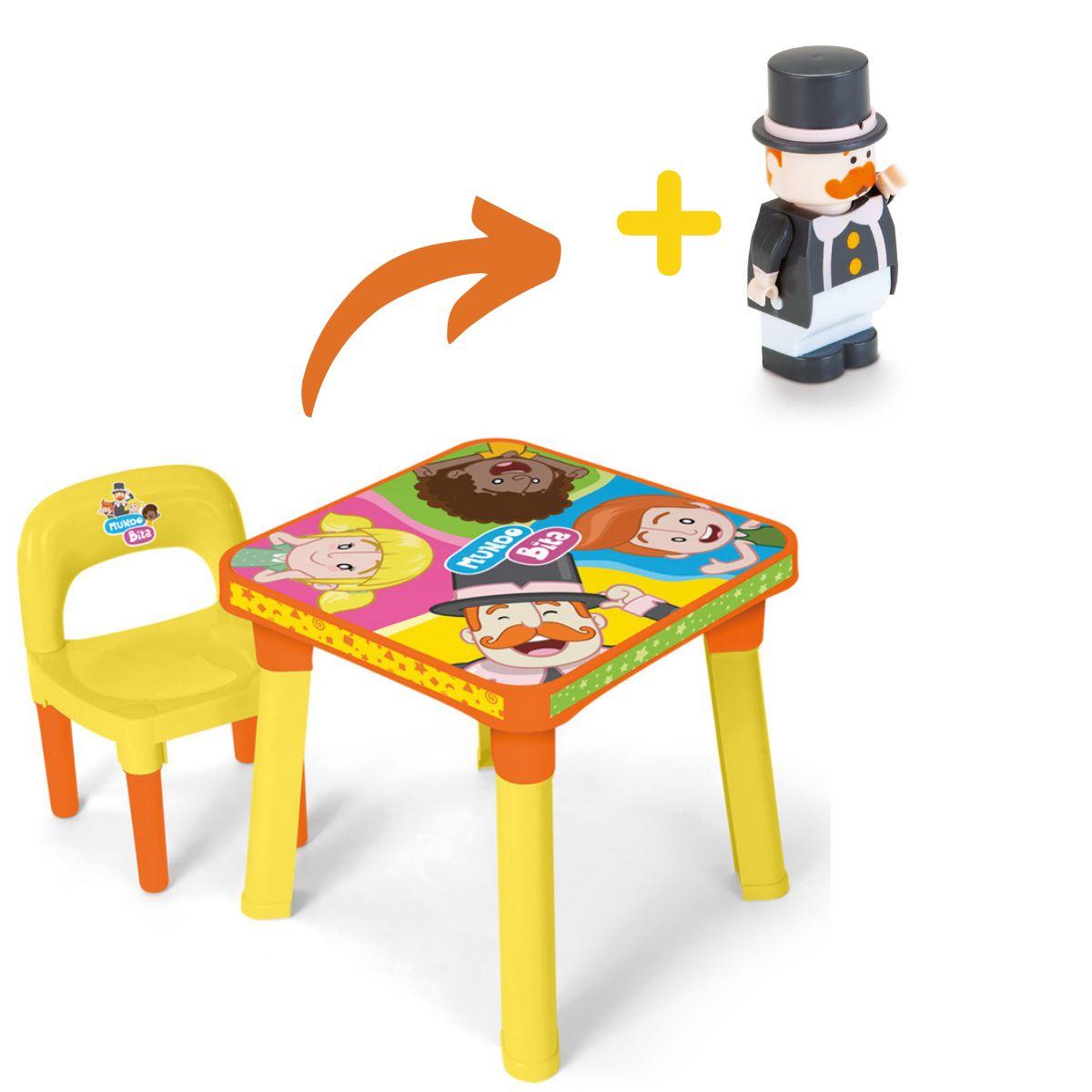 Mesinha com cadeira e bonequinho Mundo Bita