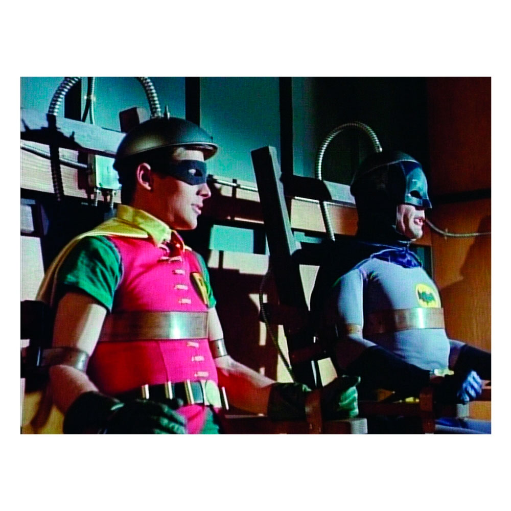 Tela Movie Batman And Robin In a Machine