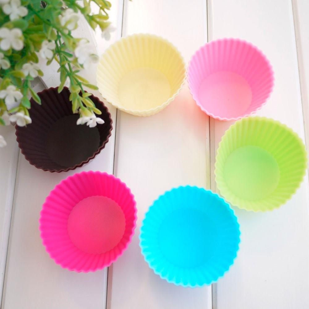 Kit de Formas em Silicone p/ Cupcakes e Muffins c/ 12 Peças