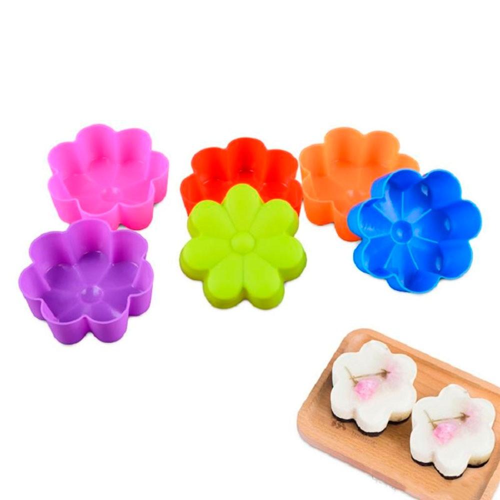 Kit de Formas em Silicone Flor p/ Muffins e Cupcakes - 12 Pç