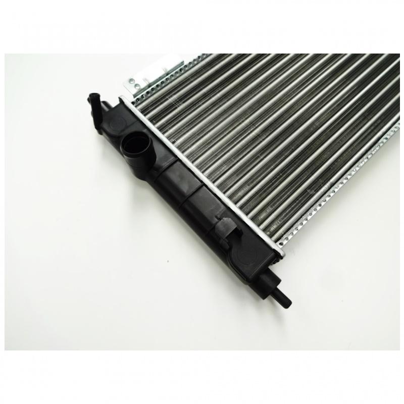 Radiador de Água - Corsa Classic 1996 á 2011 C/Ar Condicionado 93244719