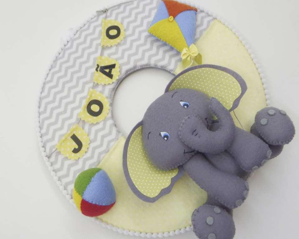 Enfeite de Porta Maternidade Elefante Chevron