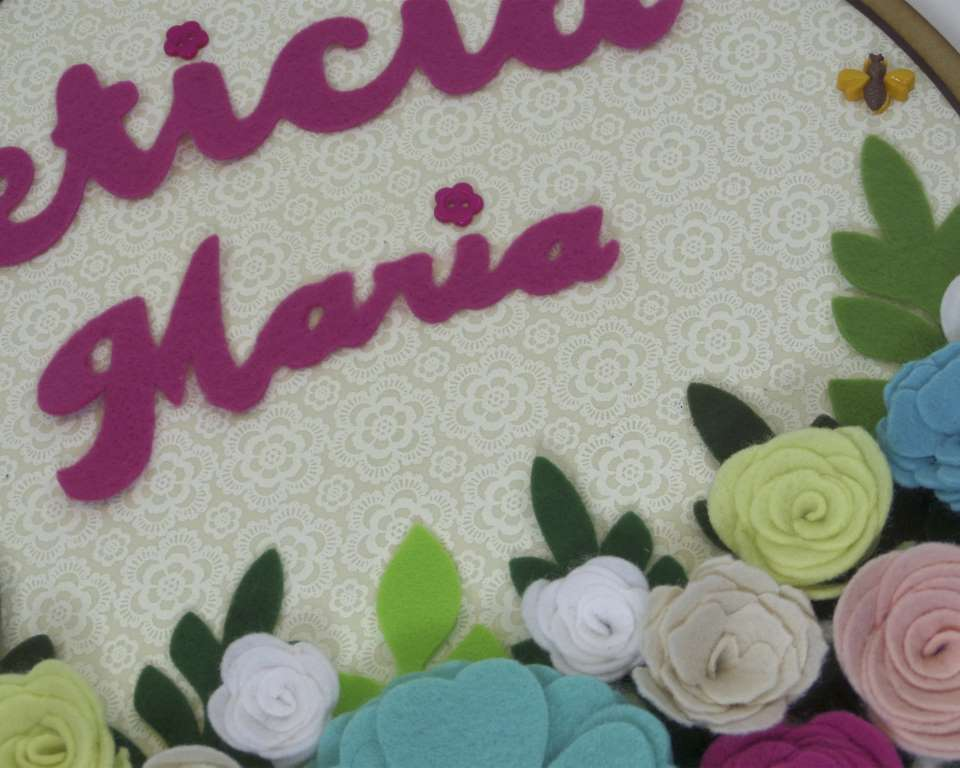 Enfeite de Porta Maternidade Flores